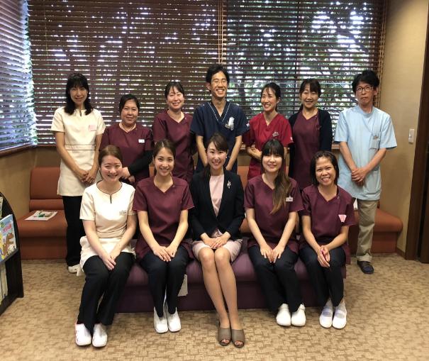 賞与2回/日本歯周病学会認定歯科衛生士の資格が取れる/社保完備