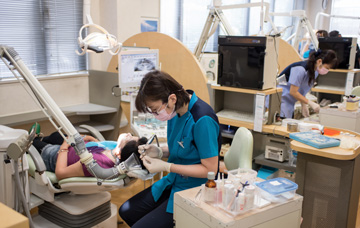 歯科衛生士さん(パート・アルバイト)募集!車での通勤可能です!